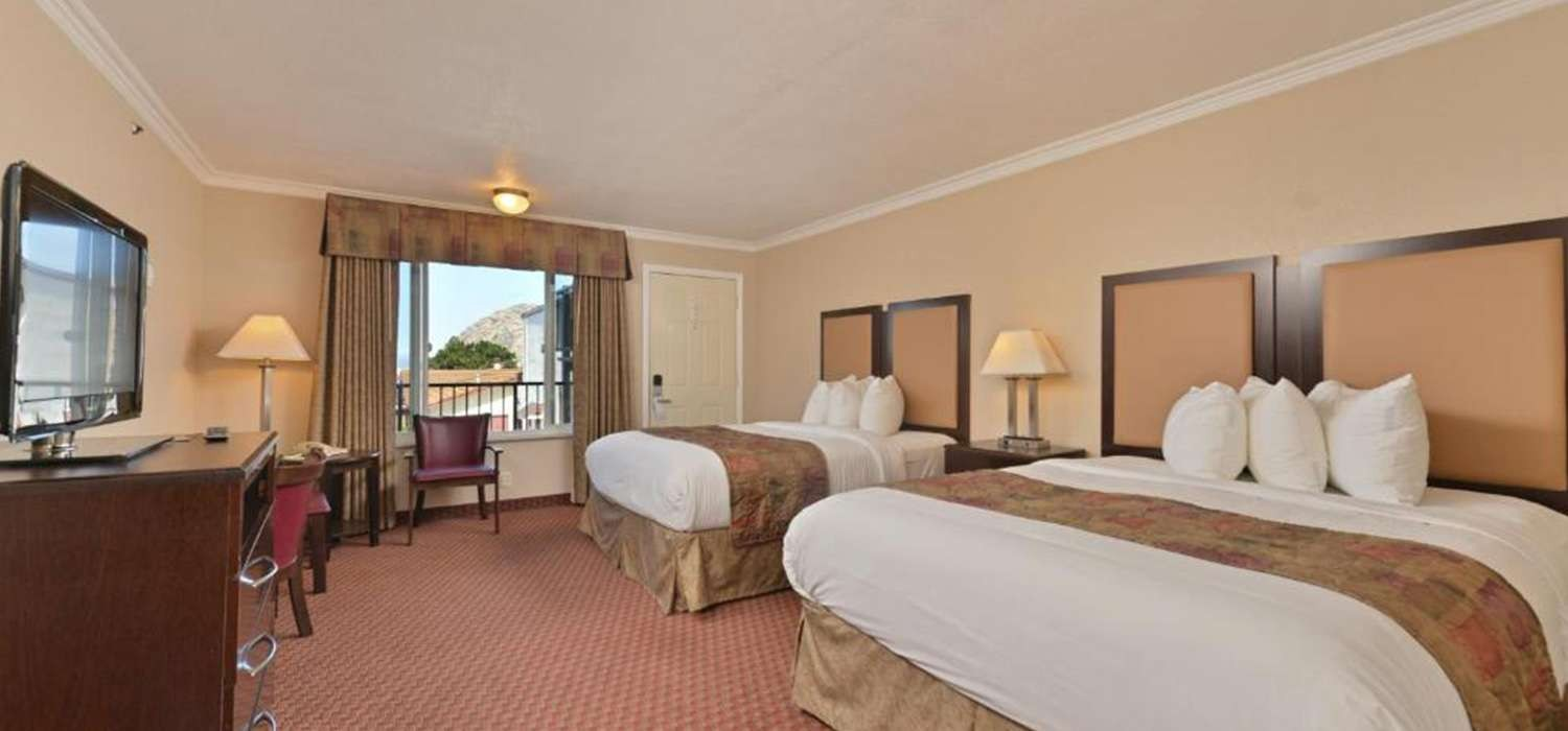 WELL-APPOINTED GUEST ROOMS AND MODERN AMENITIES IN MORRO BAY