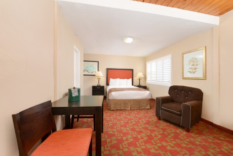 Pacific Shores Inn - 1 Bed